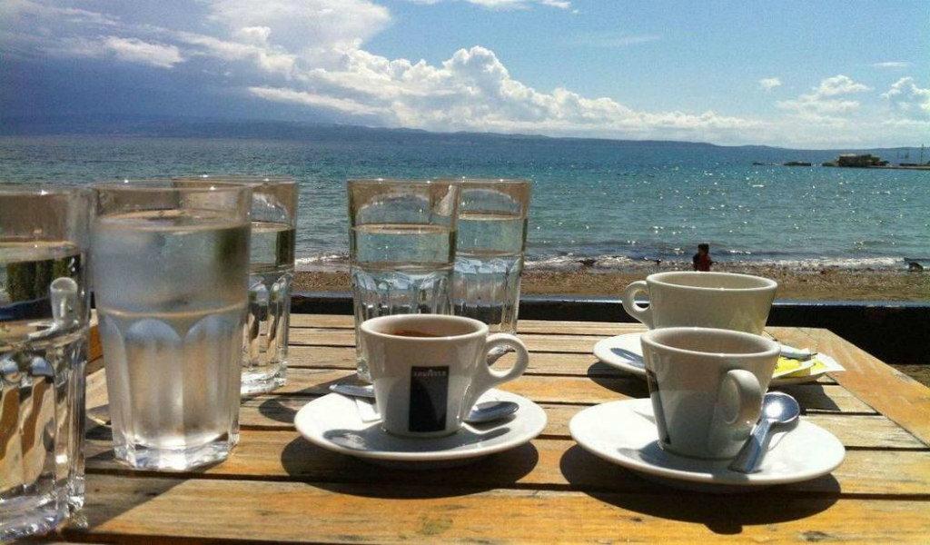 Caffee bar Zabac on October